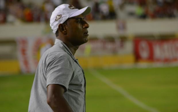 Pedrinho diz que time perdeu na velocidade (Foto: Felipe Martins)