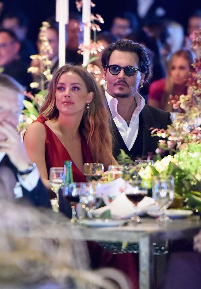 Amber Heard e Johnny Depp em janeiro deste ano (Foto: Getty Images)