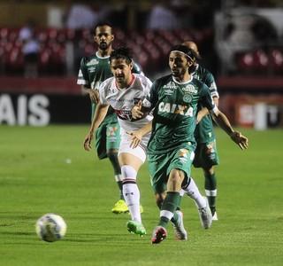 São Paulo, Chapecoense, Morumbi, Alexandre Pato, Apodi (Foto: Marcos Ribolli)