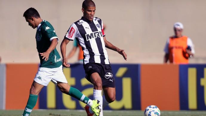 Leonardo Silva Atlético-MG e Erik Goiás Brasileirão (Foto: Francisco Stuckert / Agêncai Estado)