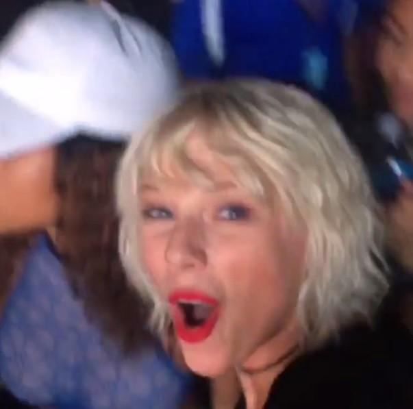 Taylor Swift vibra com participao de Rihanna em show de Calvin Harris, no Coachella (Foto: Reproduo/Instagram)