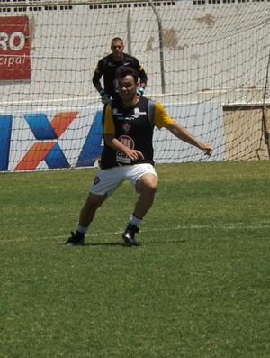 Renaot Cajá treino Vitória (Foto: Divulgação / Vitória)