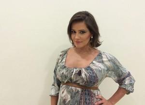 Deborah Secco grávida nos bastidores do 'Domingão' (Foto: Gshow)