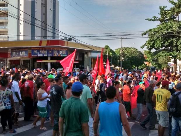 Famílias da ocupação Vila Soma fazem protesto por moradia em Sumaré  (Foto: Hélio Ricardo/ Vila Soma)
