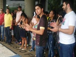 Servidores de 75 municipios participam de ato (Foto: Sintase)
