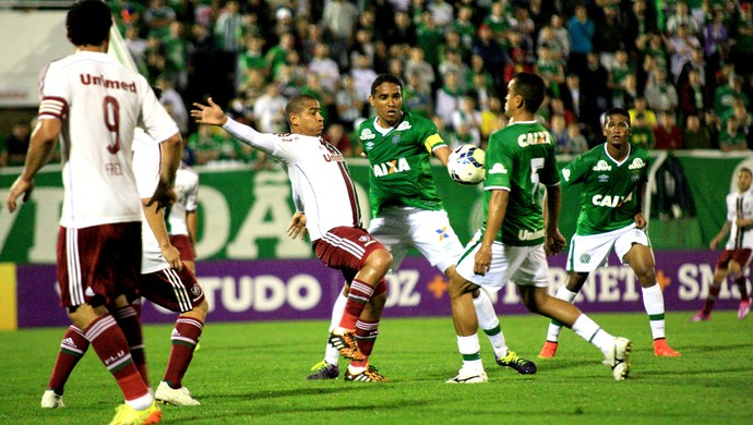Walter Fluminense e Wanderson Chapecoense Brasileirão (Foto: Agência Getty Images)