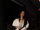 Maria Fernanda Cândido prestigia pré-estreia de peça em São Paulo