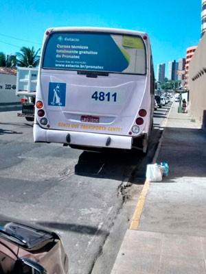 Ônibus da linha 59 foi alvo de tentativa de assalto em Brasília Teimosa, na Zona Leste de Natal (Foto: Reprodução/Inter TV Cabugi)