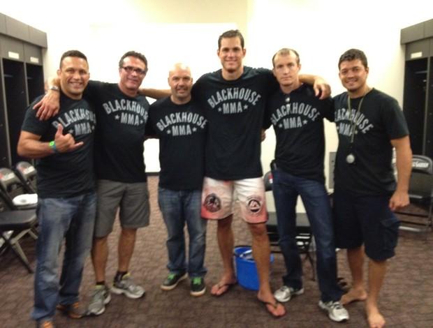 Roger Gracie e equipe Strikeforce MMA (Foto: Reprodução/ Twitter)