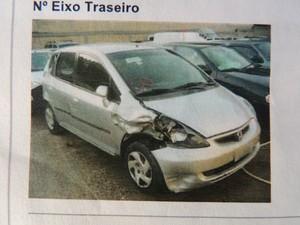 O carro teria sido consertado antes de chegar às mãos da cliente, que não percebeu nada quando fechou negócio (Foto: Pedro Carlos Leite/G1)