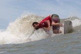 Em dia de ondas fracas, nove seguem brigando pelo t�tulo do SuperSurf