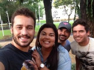 Fabiana Karla e Rodrigo Andrade com Edson e Hudson (Foto: Divulgação)