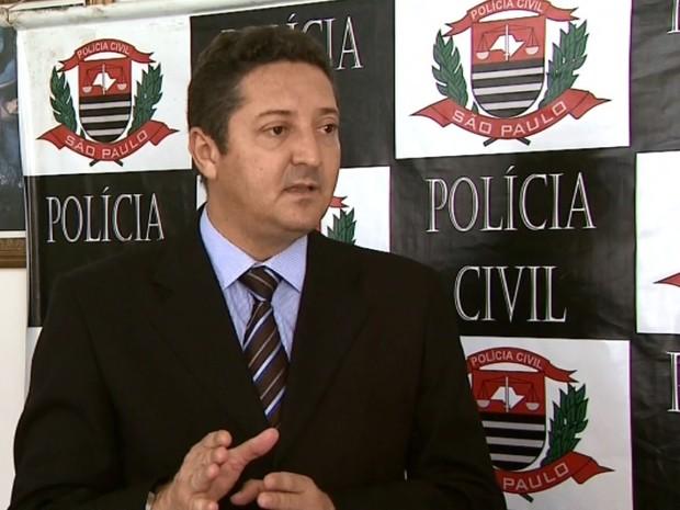O delegado Márcio Murari, titular da DIG de Franca, diz que a maioria dos veículos furtados ou roubados acaba sendo recuperada (Foto: Márcio Meirelles / EPTV)