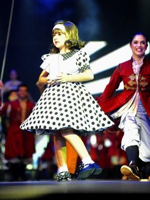 Klara Castanho na show do Criança Esperança em 2010 (Foto: Globo)