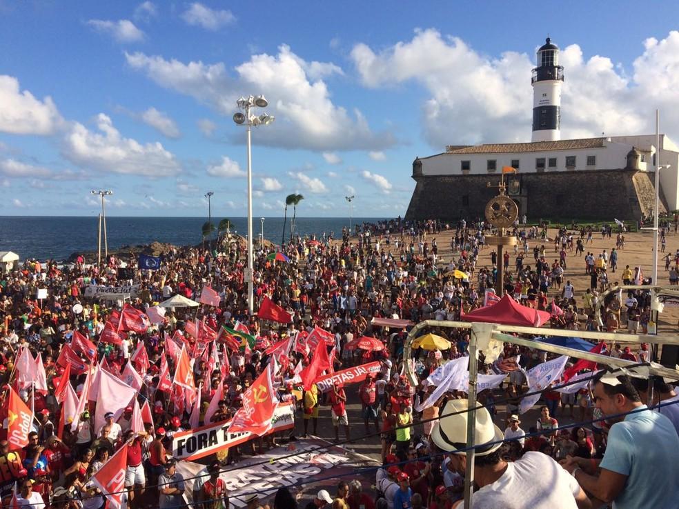 Ato em Salvador pede a saída de Temer e a realização de novas eleições (Foto: Maiana Belo/G1 Bahia)