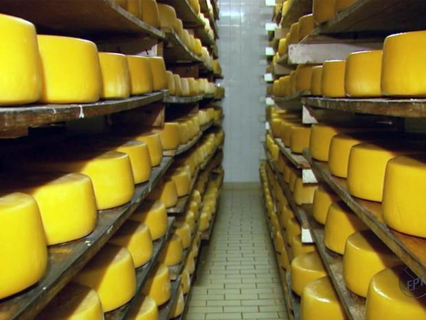 Lenda de queijo diz que ele é feito por vivos e antepassados (Foto: Reprodução EPTV)