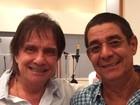 Roberto Carlos recebe Zeca Pagodinho em ensaio de especial