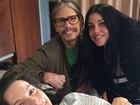 Steven Tyler posta foto com a filha Liv em hospital após ela dá à luz