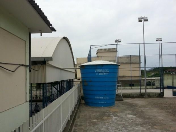 Reservatório em escola de Vila Velha (Foto: Daniella Sanz Ramos/ Divulgação PMVV)