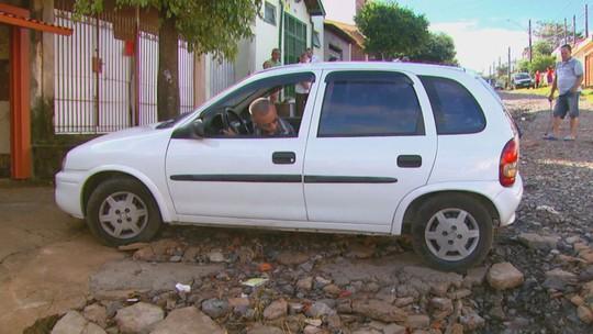 Bairro asfaltado pela metade é motivo de reclamações em Rio Claro, SP