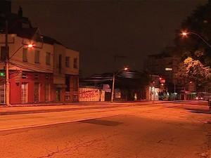Polícia diz que bairro é alvo de criminosos pela falta de iluminação (Foto: RBS TV/ Reprodução)