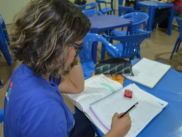 Lara Carvalho Duarte passou em cinco vestibulares (Foto: Aritana Aguiar/G1)