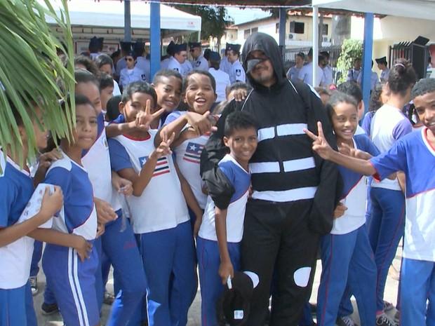 Unidade Integrada Japiaçu, no bairro Anjo da Guarda, foi escolhida para o lançamento da campanha em São Luís (Foto: Reprodução/TV Mirante)