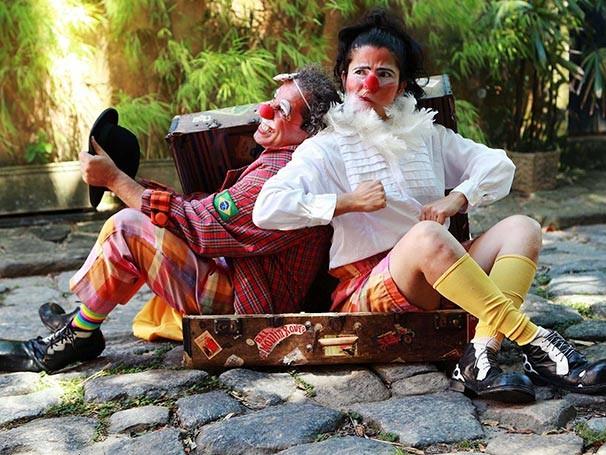 A companhia de circo-teatro itinerante costuma se apresentar no Largo do Machado, Zona Sul do Rio de Janeiro (Foto: Bruna Prado)