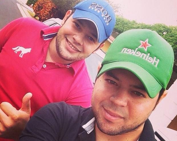 Diego Kraemer e Tiago Marcelo, coautores de '99%', cantada por Fiduma & Jeca (Foto: Divulgação)