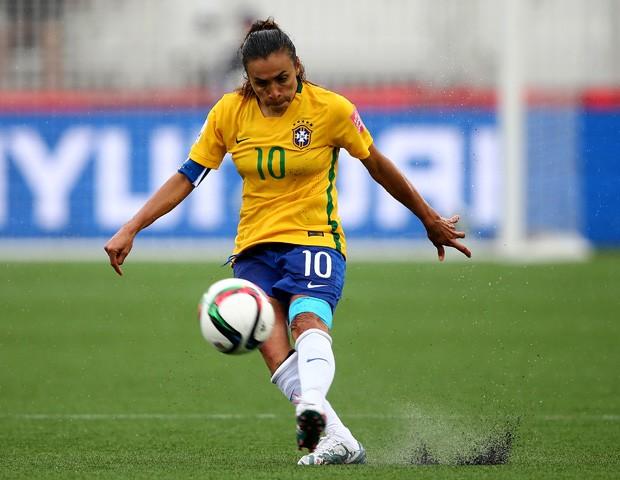 Marta, cinco vezes melhor do mundo e camisa 10 do Brasil (Foto: Elsa/Getty Images)