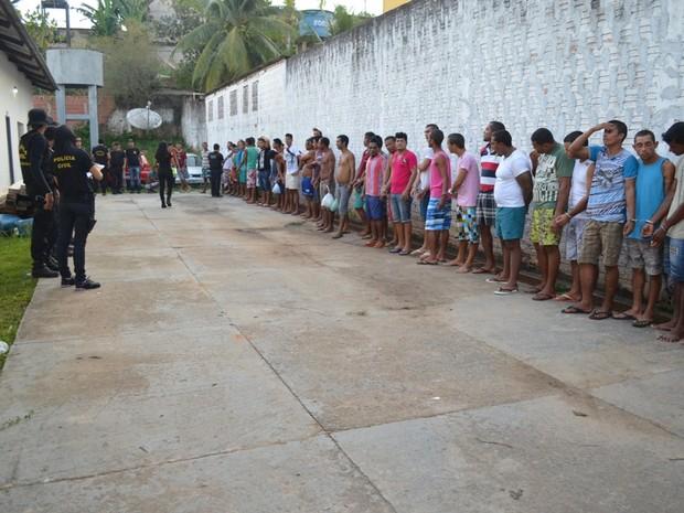 Operação prendue 74 pessoas apenas na região do Juruá (Foto: Vanísia Nery/G1)