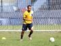 Lateral Gabriel Proença, ex-Macaé, pode reforçar o Rio Branco-ES