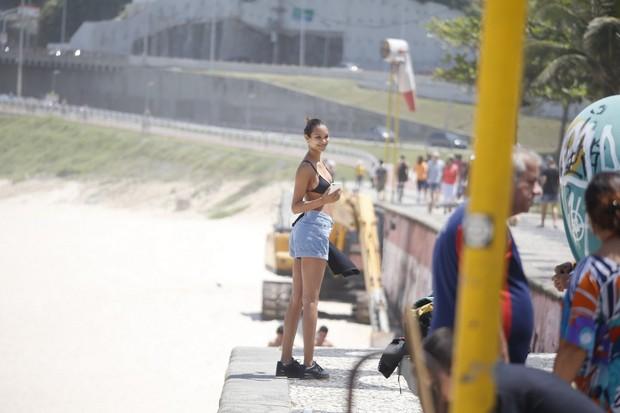 A angel da Victoria's Secret Lais Ribeiro e o namorado, o jogador de basquete Jared Homan, passeiam por pontos turísticos do Rio de Janeiro (Foto: AgNews)