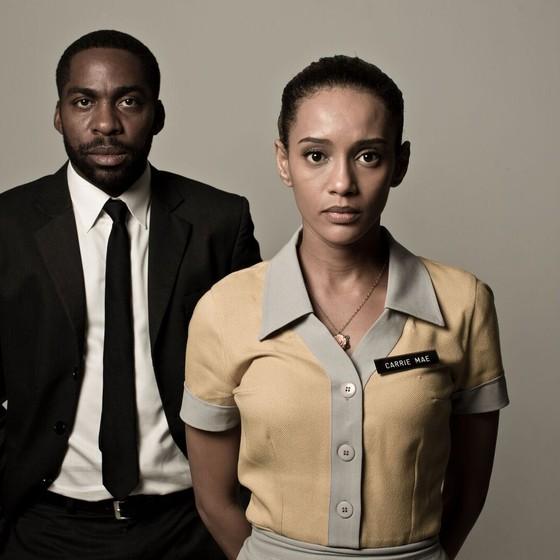Lázaro Ramos e Taís Araújo caracterizados como seus personagens na peça que fala da segregação racial sofrida nos Estados Unidos (Foto: Jorge Bispo)