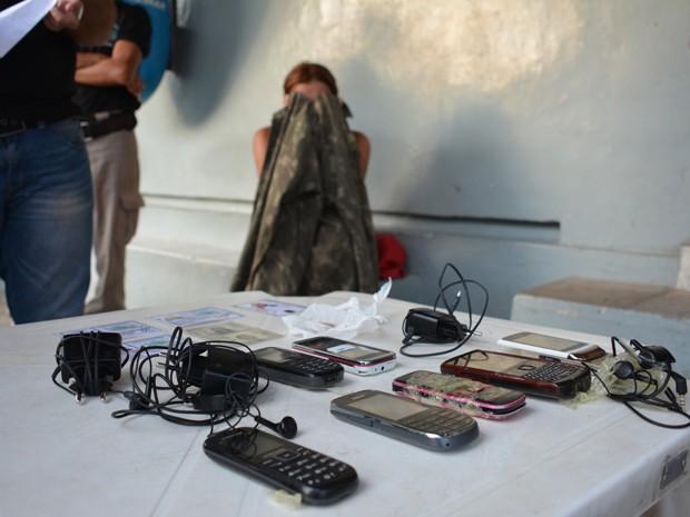 Mulher foi detida pela segunda vez (Foto: Walter Paparazzo/G1)