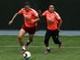 Antes de pegar o Brasil, Gareca treina seleção do Peru com postura ofensiva