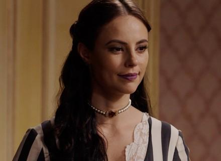 Melissa invade o quarto de Lívia e exige satisfações