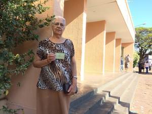 Celia Rosa de Jesus votou em Araraquara (Foto: Gabriela Martins/G1)