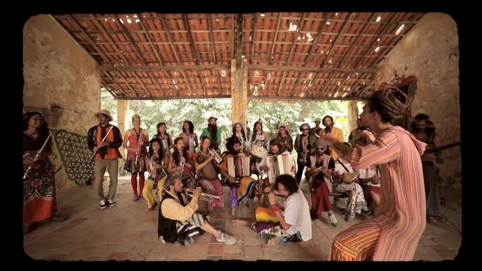 Bloco Unhão, do Capão, faz número musical em homenagem ao movimento (Foto: TV Bahia)