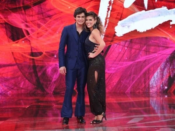 Lucas Veloso com a professora Nathalia (Foto: TV Globo)