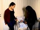 Mãe faz livro para relatar processo de adoção da filha em Pelotas, RS