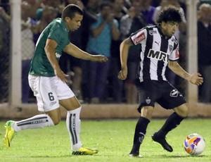 Caldense x Atlético-MG - lance de jogo (Foto: Célio Messias / Agência Estado)