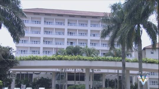 Hóspedes são autorizados a retirar pertences de hotel após explosão