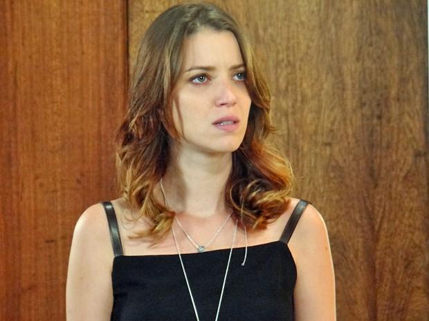 A jornalista não acredita nas acusações da mãe (Foto: Gabriela Duarte / Gshow)
