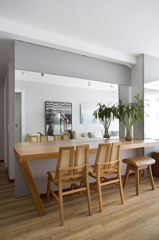 10 salas de jantar pequenas para se inspirar Casa Vogue Ambientes -> Decoração De Sala De Jantar Pequena Com Espelho