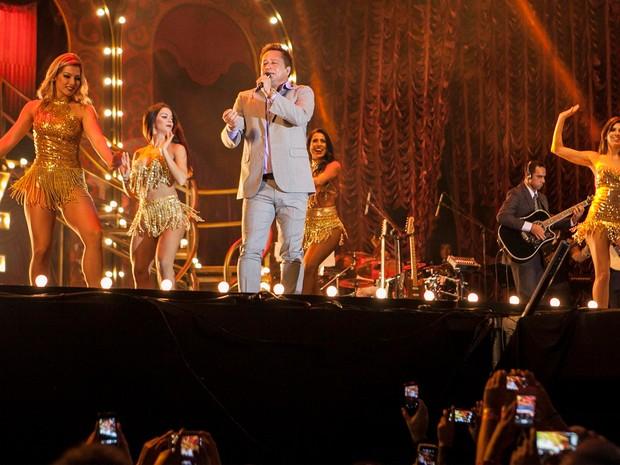 2ª noite de shows teve o Cabaré de Leonardo e Eduardo Costa (Foto: Felipe Albertoni)