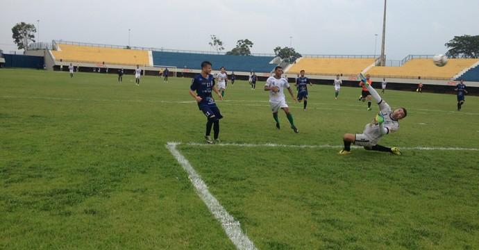 Ricanato vence o Guaraí em duelo de ida das semi da Segundona  (Foto: Edson Reis/ GloboEsporte.com)