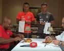 Bayern na cozinha: Thiago Alcântara e Rafinha têm desafio de hambúrguer