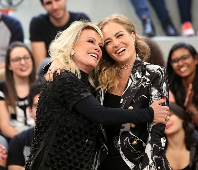 Ana Maria Braga e Angélica falam sobre a amizade no 'Altas Horas' (Foto: Carol Caminha/Gshow)