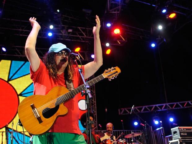 Moraes Moreira canta no palco do Marco Zero do Recife (Foto: Diego Moraes / G1)